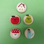 5 Cute Decole Buttons 22mm