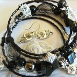memory wire bracelet and earrings owls set - black silver and clear beads owl