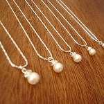 4 Bridesmaids  Simple & Elegant Pearl Necklaces