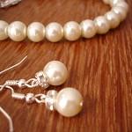 Simple & Elegant Pearl Earrings and Bracelet Set