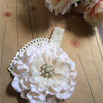 SOFT CREAM- Ivy and cream flower with pearl centre