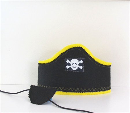Pirate hat and eye patch