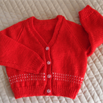 SIZE 2 yr  Hand knitted cardigan in Red & white by CuddleCorner: Washable Winter