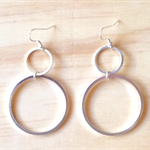 LARGE GRADUATING SIMPLE SILVER CIRCLES EARRINGS - FREE SHIPPING WORLDWIDE