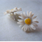 White daisy vintage lucite post earrings.