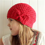 Crochet beanie / beret / slouchie - pure wool - girls - red - bow detail