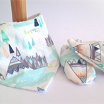Baby shoe & BIB gift set, Indian summer bamboo absorbent Winter warm/soft