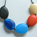 Resin Pebble Strand. 