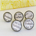 Romeo and Juliet Thumbtack Set Push Pins William Shakespeare Play Verona Paris