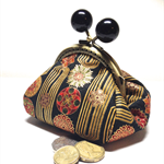 Little Dumpling Coin Purse - black and gold with kiss lock closure