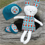 Crochet beanie and booty set with bunny softy