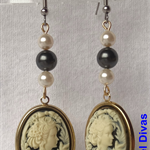 """CONTESSA ANASTACIA"" petit earrings"