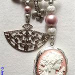 """PRINCESS SABINE"" pin brooch"