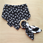 Skulls ECO baby pirate skull dribble bib & wood teething ring gift set
