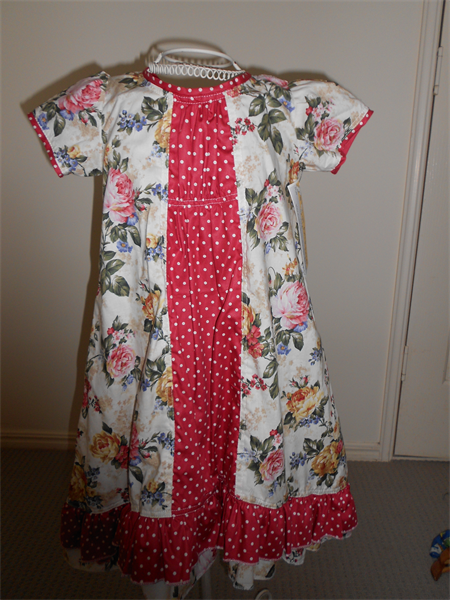 Vintage / Spot Ruffled Dress