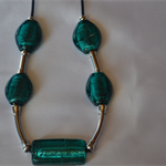 Glass Teal & Silver beaded necklace