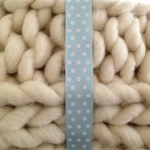 Super Chunky Wool Throw, Ivory, Merino Wool Yarn (Loopy Mango)