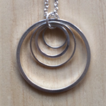 ALL SIZES SIMPLE SILVER CIRCLES PENDANT NECKLACE - FREE SHIPPING WORLDWIDE