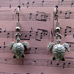 Go slow, like a Turtle earrings