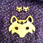 Bamboo Fox Brooch & ear-ring set.