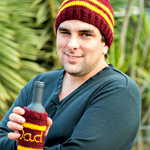 Men's Knit Maroon Red Footy Beanie and Stubby Holder Size Medium to Large