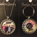 5 SECONDS OF SUMMER NECKLACE AND KEYRING SET