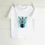 Boys size 6 T-shirt - 'Giraffe' print.