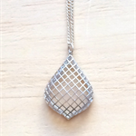 MATTE SILVER GRID PENDANT NECKLACE - FREE SHIPPING WORLDWIDE