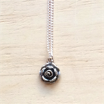 SMALL SILVER ROSE PENDANT NECKLACE - FREE SHIPPING WORLDWIDE