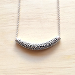 SILVER FLORAL BAR NECKLACE - FREE SHIPPING WORLDWIDE