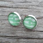 Glass dome stud earrings - arrow / green