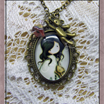 Sweet Girl Cameo Necklace 'White'