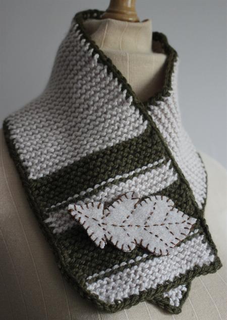 Leaf - Knitted Wool Scarflette & Brooch