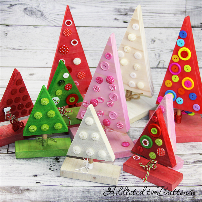 Button Christmas Trees: Green Red Wooden Christmas Tree Decorated