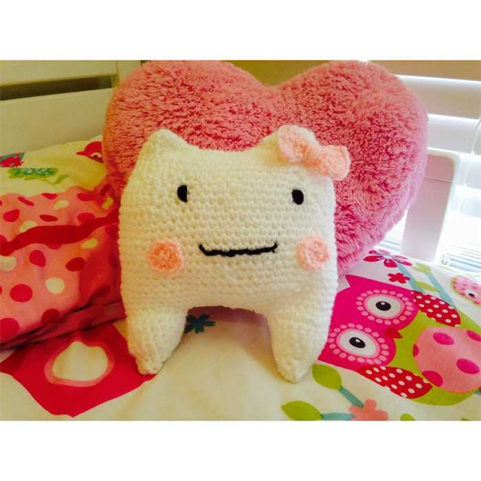 Tooth Fairy Pouch - Free Crochet Pattern Loops & Love Crochet | 700x700