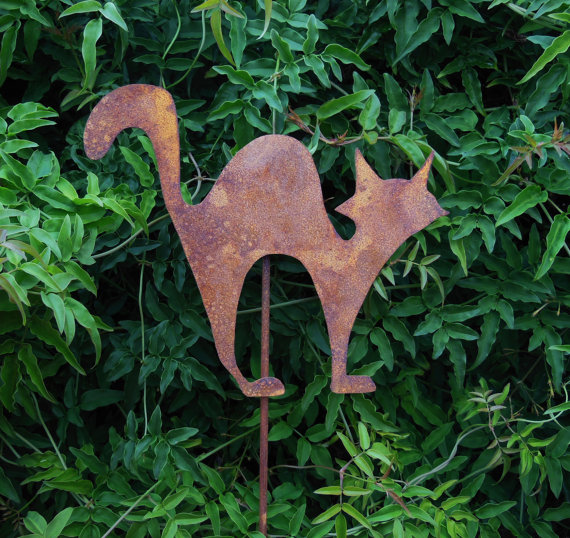 DECORATIVE METAL GARDEN ART STAKE   LASER CUT   CRAZY CAT   RUST OR PAINT  FINISH ...