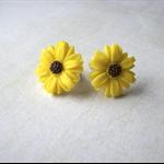 Bright yellow daisy stud earrings.