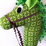 HOBBY HORSE - Harry - Strong green with a tulle mane