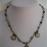 VINTAGE LOOK GREEN 3 CABOCHON PENDANT NECKLACE