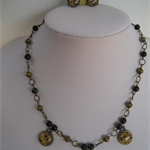 VINTAGE LOOK BLACK FLOWERED 3 CABOCHON NECKLACE AND EARRINGS SET