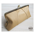 Caramel leather clasp clutch