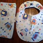 Baby Boy Bib and Burp Cloth Set - Robots! Size: LARGE
