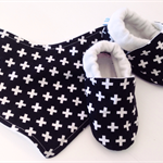 Baby shoe & BIB gift set. Monochrome stay on shoes eco friendly soft soled.