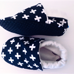 Monochrome stay on eco friendly bamboo baby shoes black white