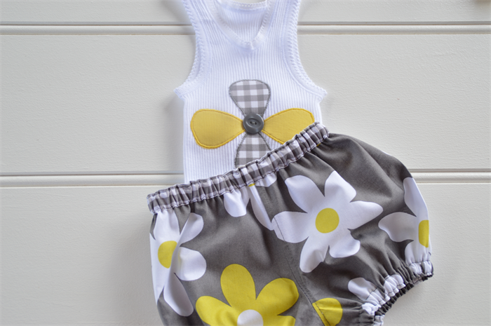Singlet and bloomers grey yellow white flowers baby shower singlet and bloomers grey yellow white flowers baby shower negle Gallery