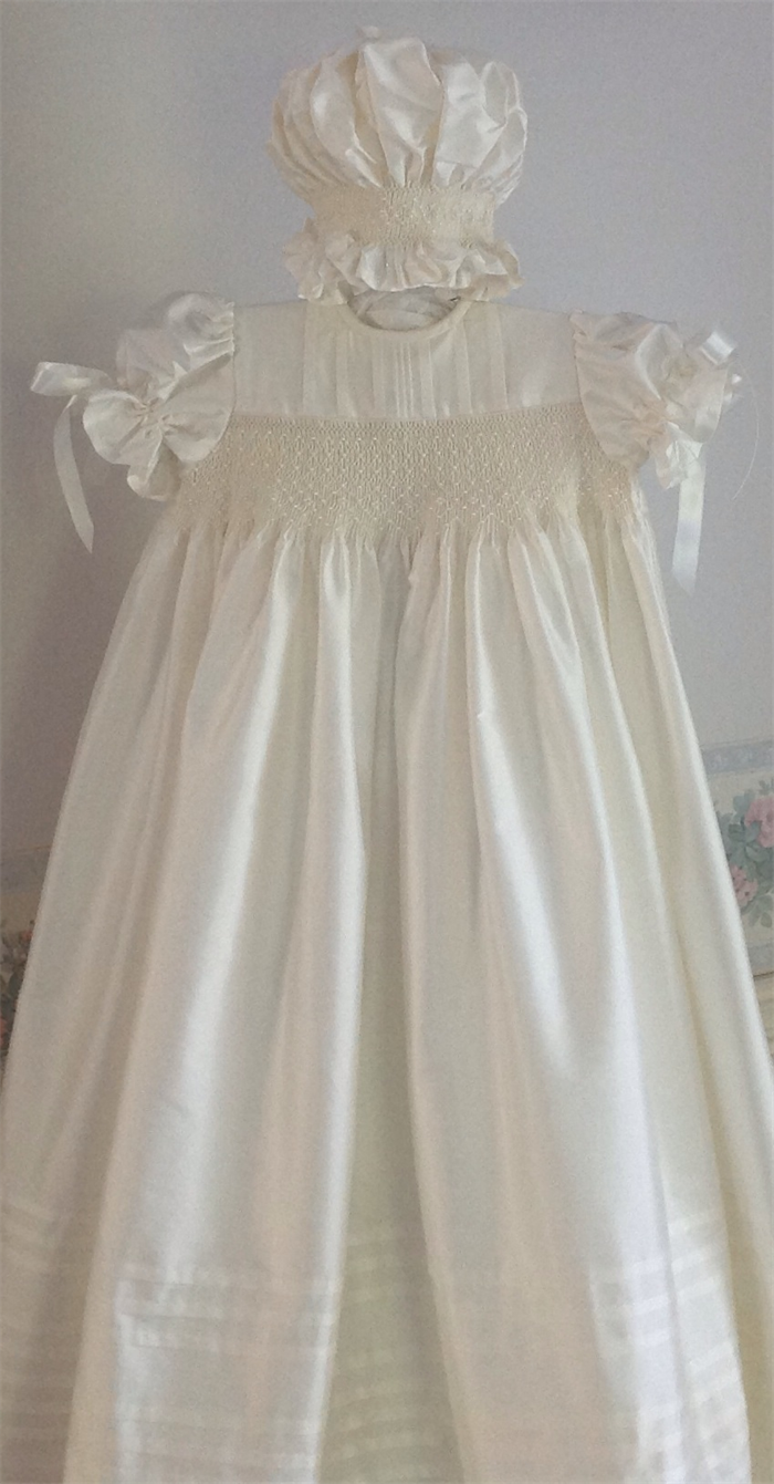 946f6ab5c ... Christening Baptism Gown Ivory Silk Heirloom Hand smocked Size 6 months  ...