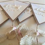 Gender Neutral Baby Shower Invitation - Rustic Kite Invitation - Set of 10
