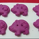 Little piggy polymer clay buttons, set of six little piggies with a flower.