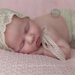 SALE Newborn Lace Skirt and Bonnet Set / Photography Prop