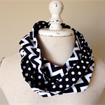 Infinity Scarf - {Black/White Chevron}